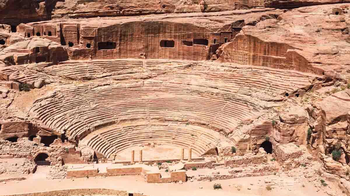 teatro en petra, jordania