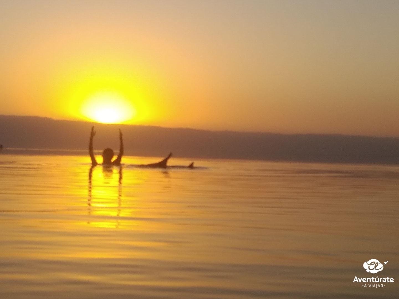 el mar muerto en jordania